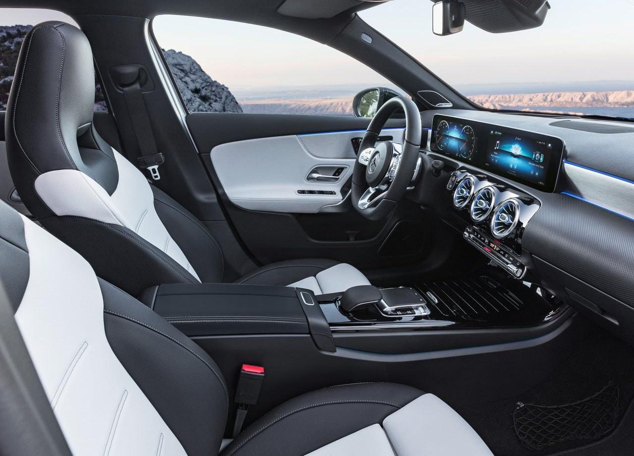 Mercedes-Benz A-Class фото передние сидения
