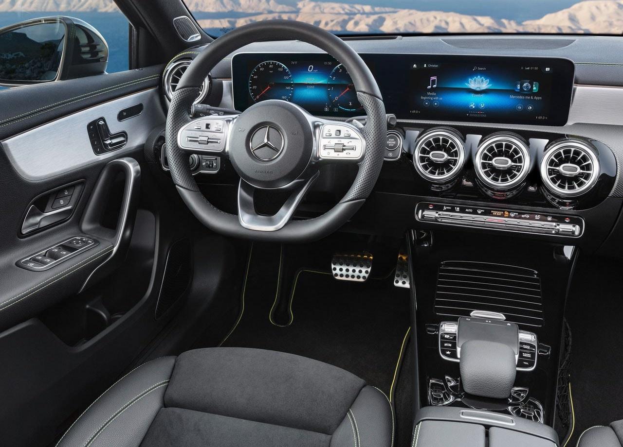 Mercedes-Benz A-Class фото салон