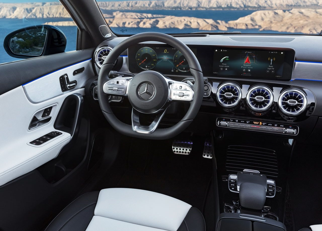 Mercedes-Benz A-Class салон