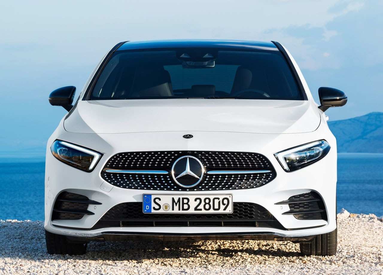 Mercedes A-Class спереди