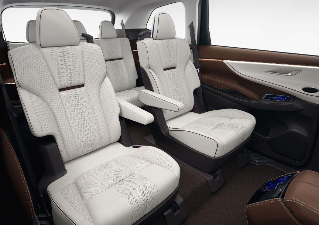 Новый Subaru Ascent пассажирские сидения