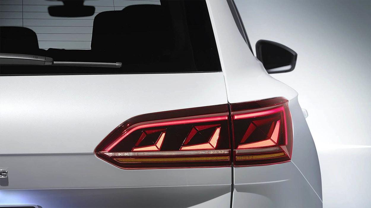 VolkswagenTouareg 3 фонари
