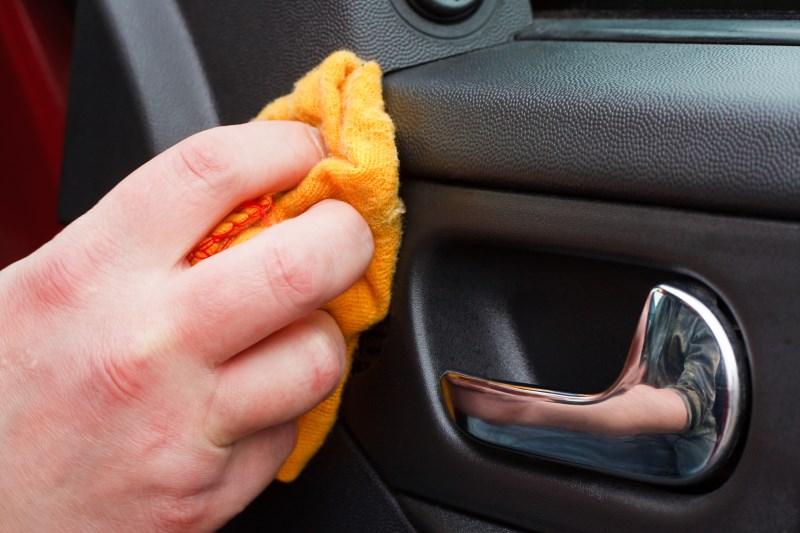проверить пробег автомобиля пластик