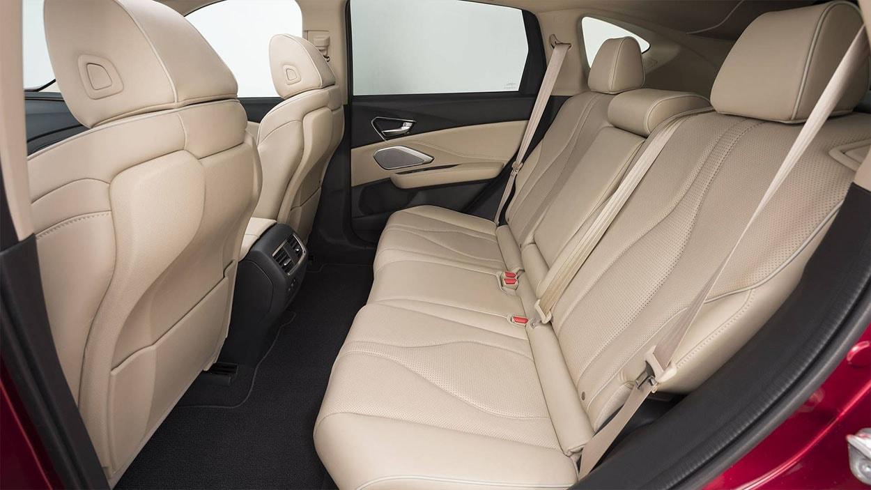 Acura RDX задние сидения