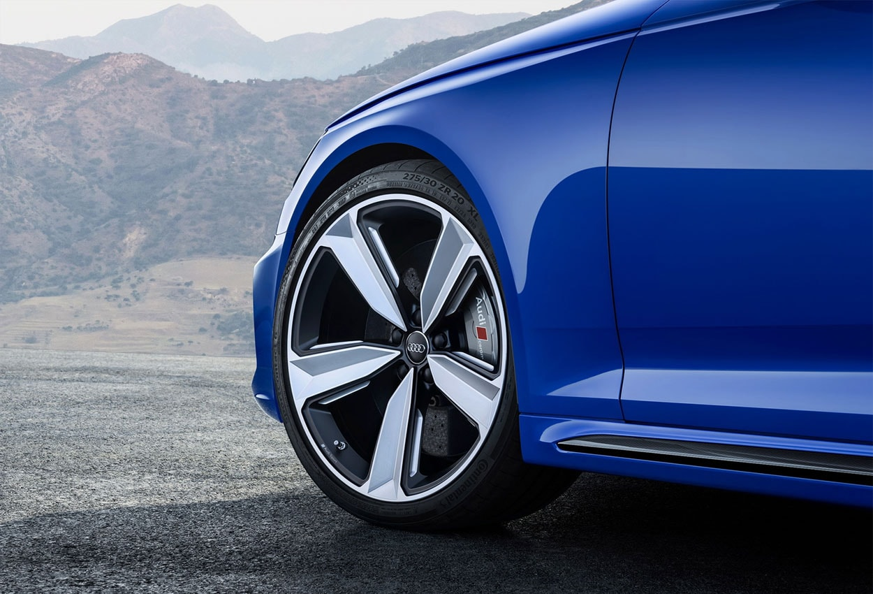 Audi RS4 Avant детали кузова