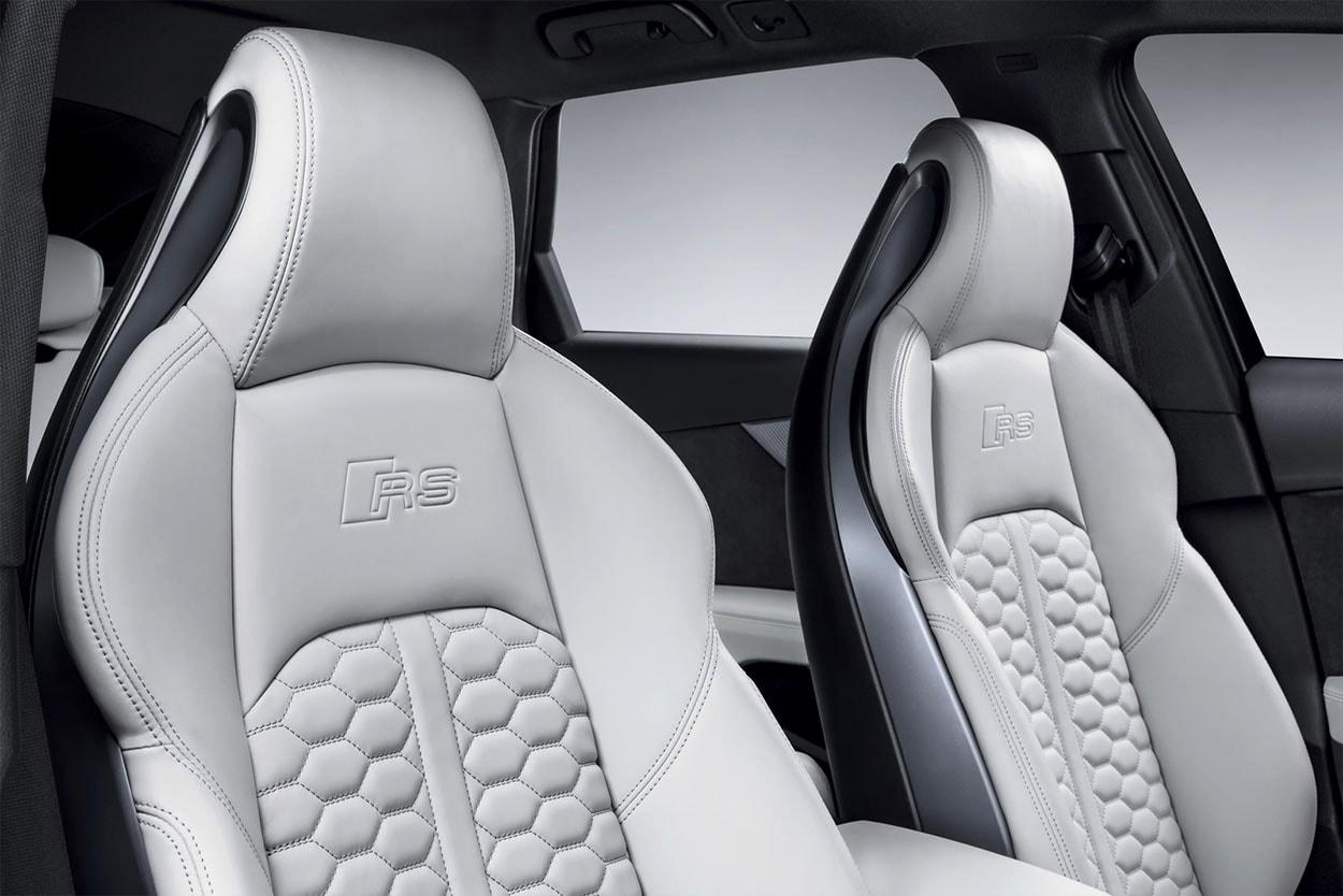 Audi RS4 Avant детали салона