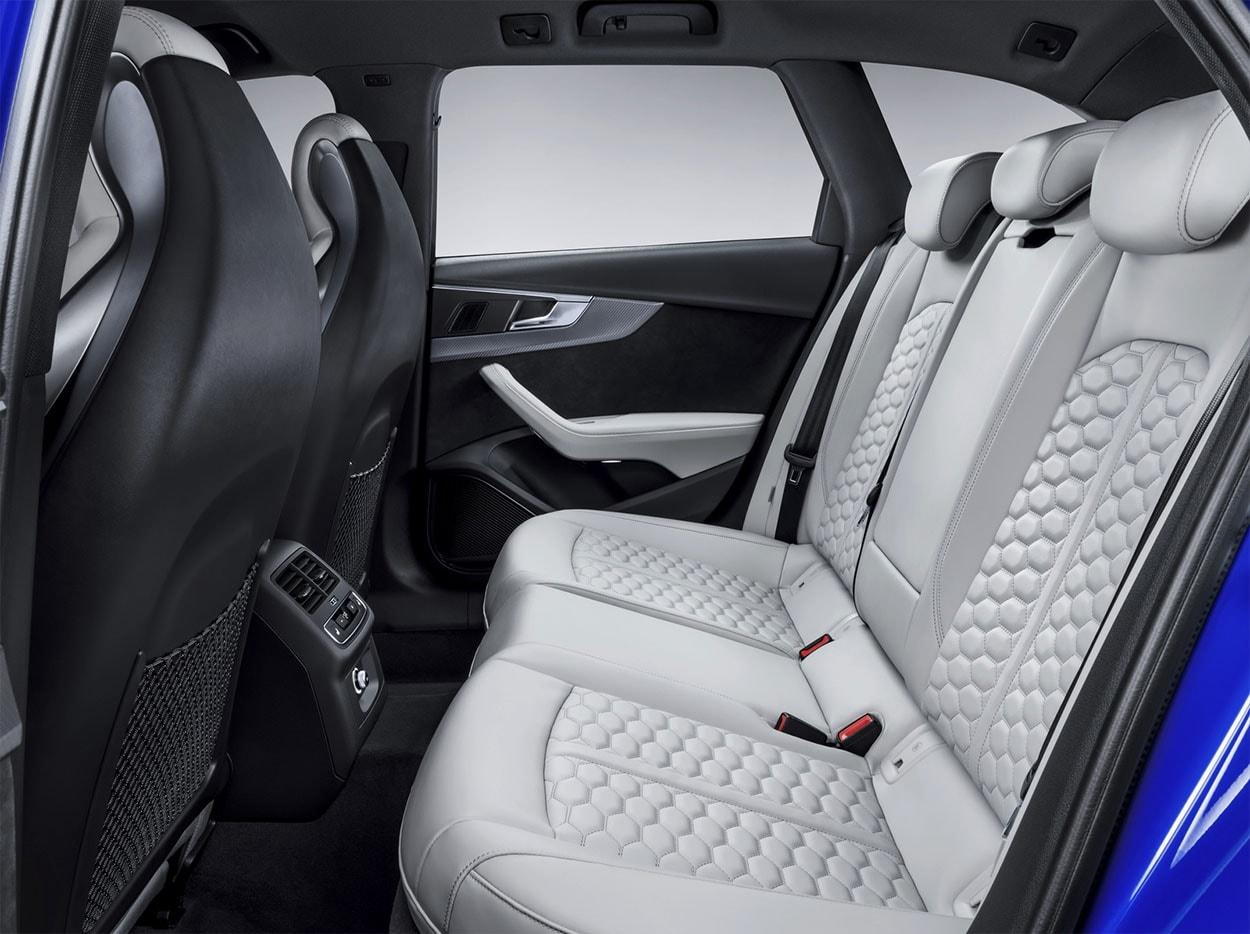 Audi RS4 Avant задние сидения