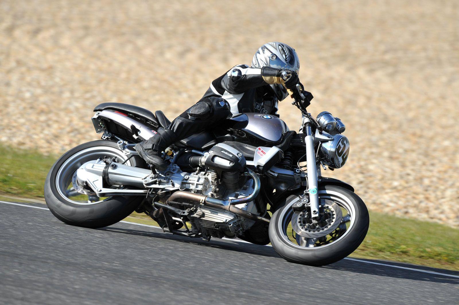 BMWR100R вид сбоку