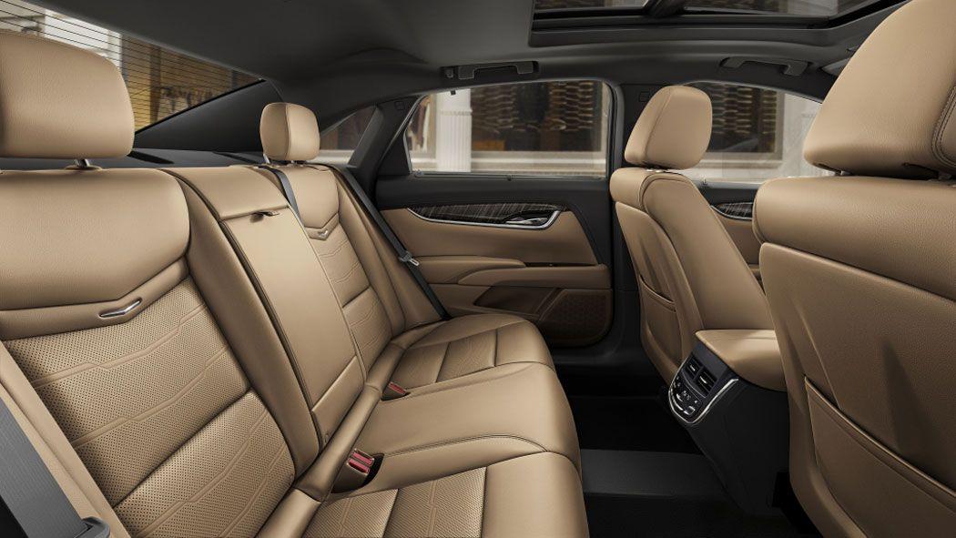 Cadillac XTS задние сидения