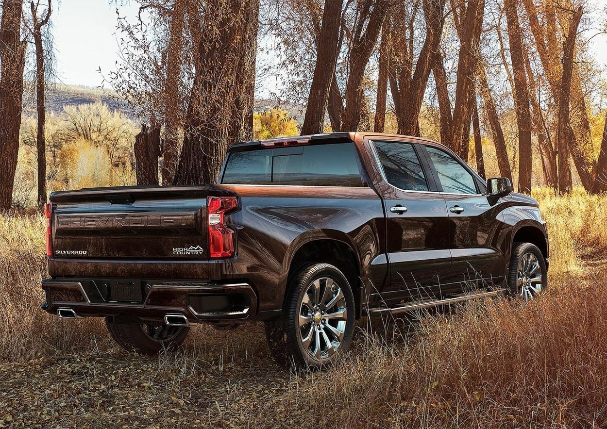 ChevroletSilverado вид сзади