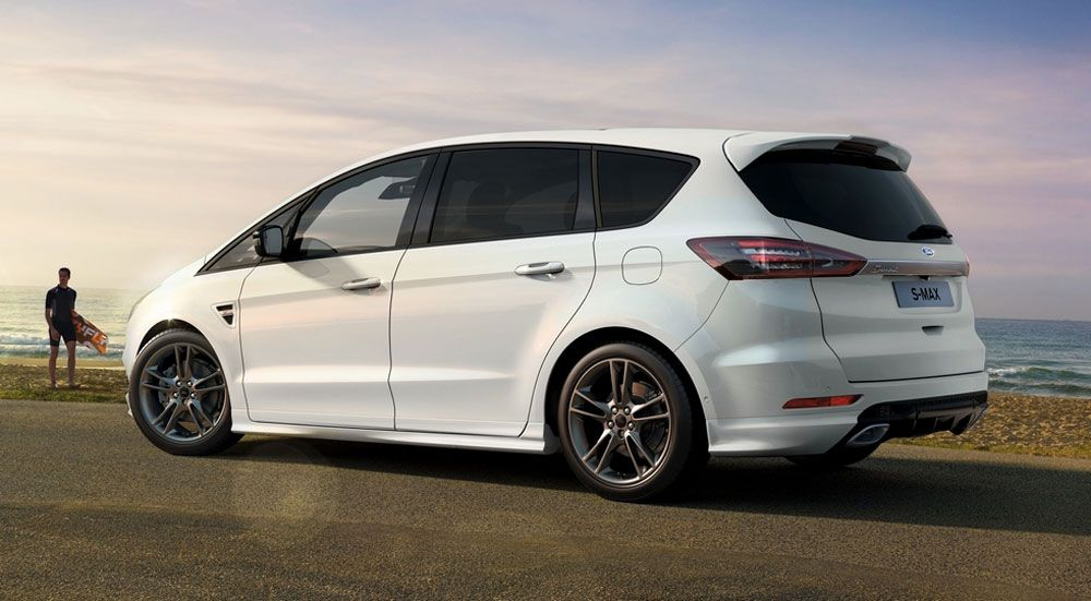 Ford S-Max фото сзади