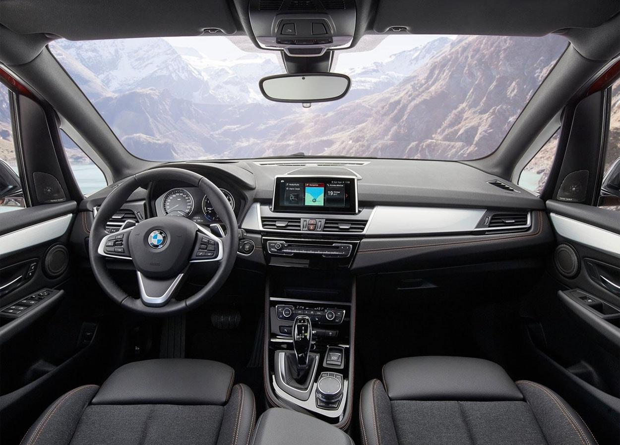 BMW 2-Series Active и Gran Tourer фото салона