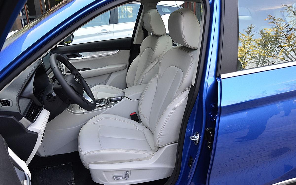 Hanteng X5 передние сидения
