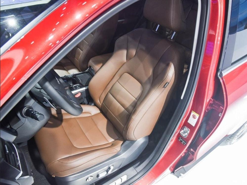 Haval H4 передние сидения
