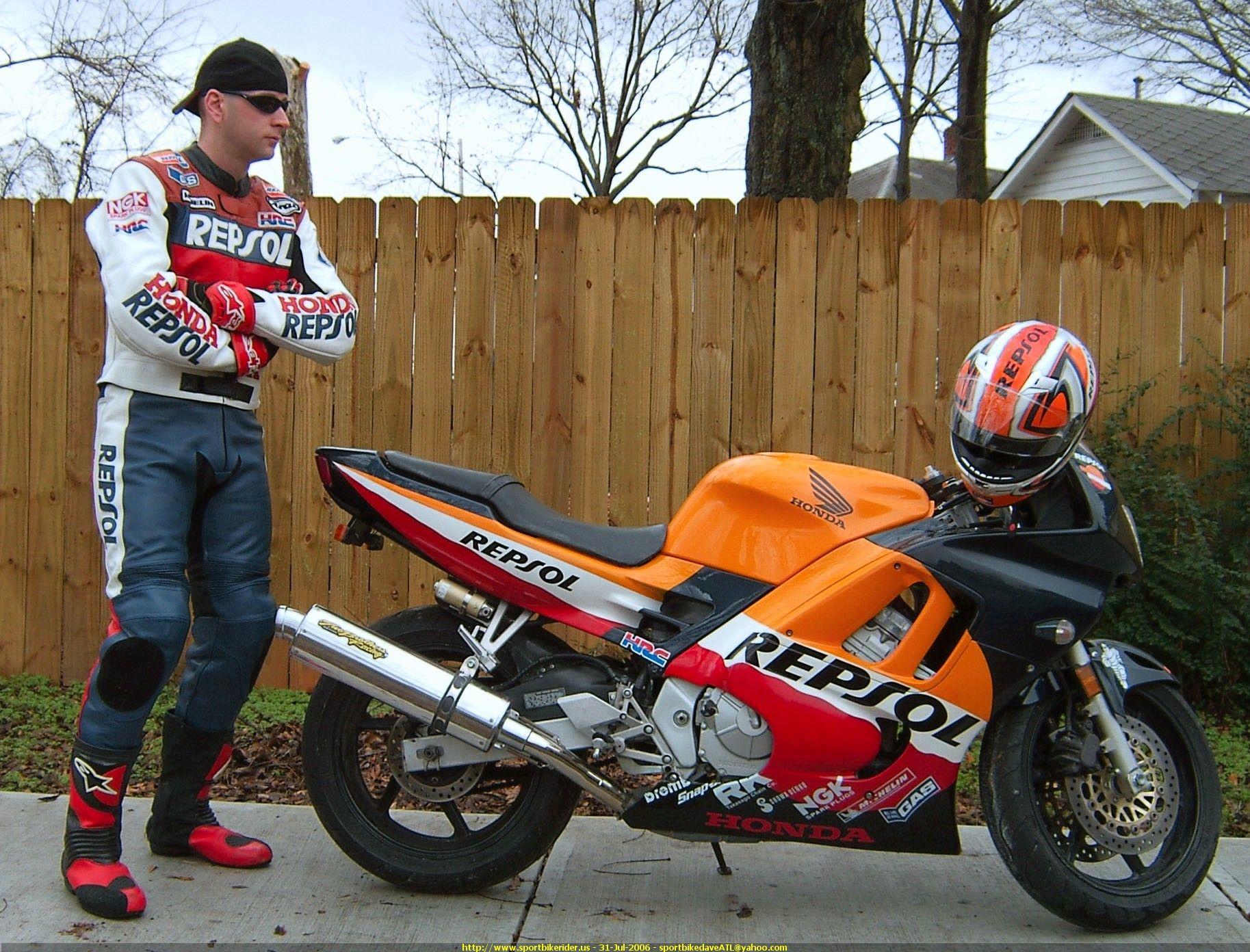 Honda CBR 600 F3 фото сбоку