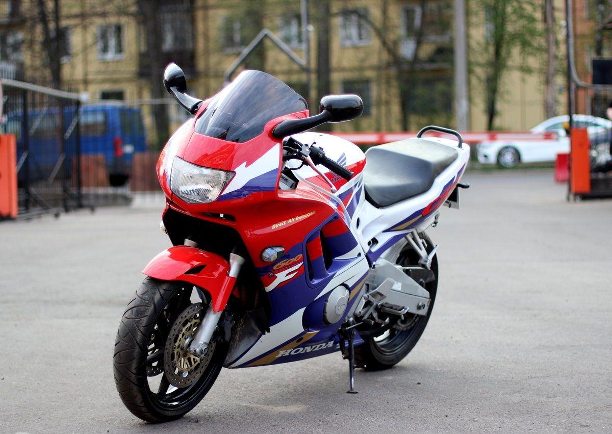 Honda CBR 600 F3 фото
