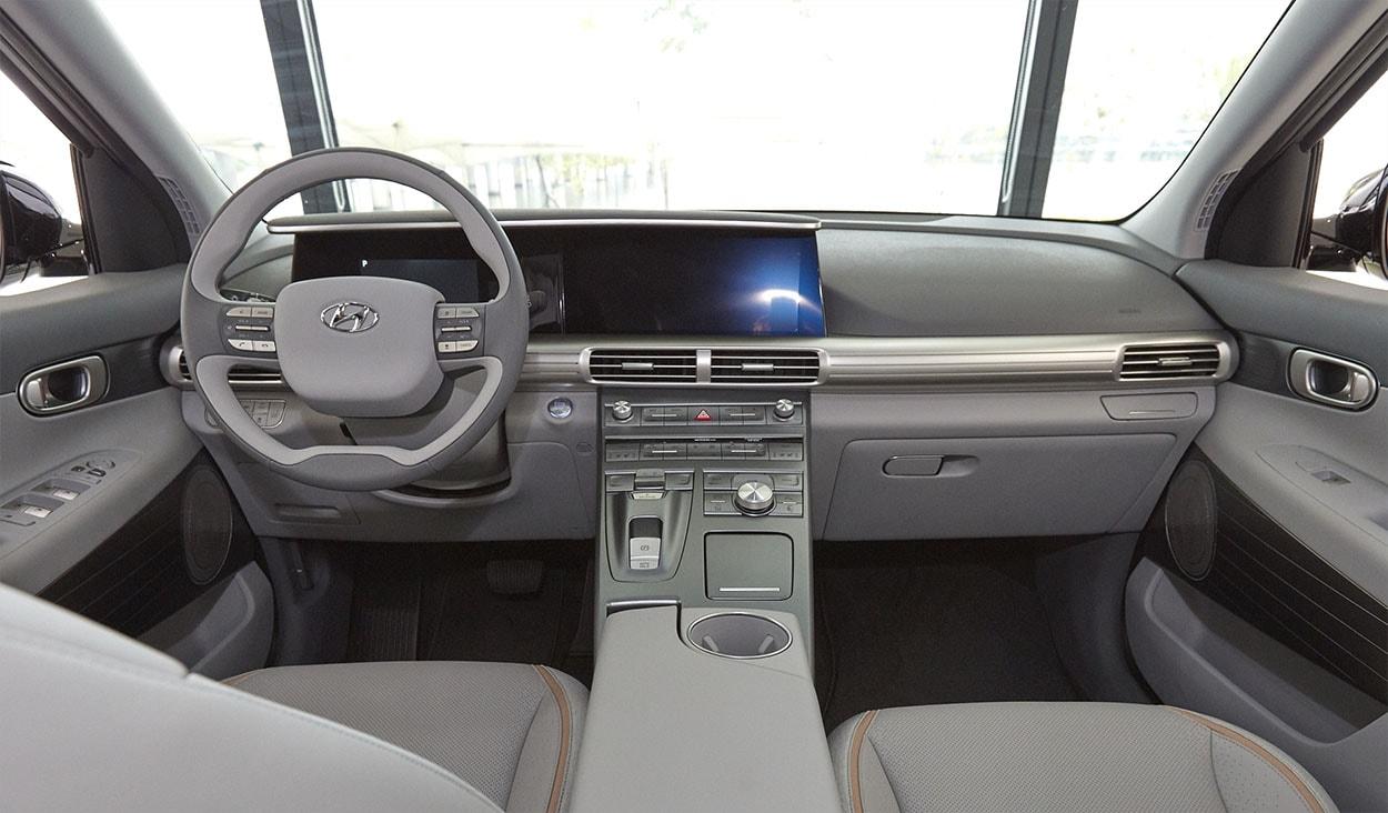 Hyundai FCEV фото салон