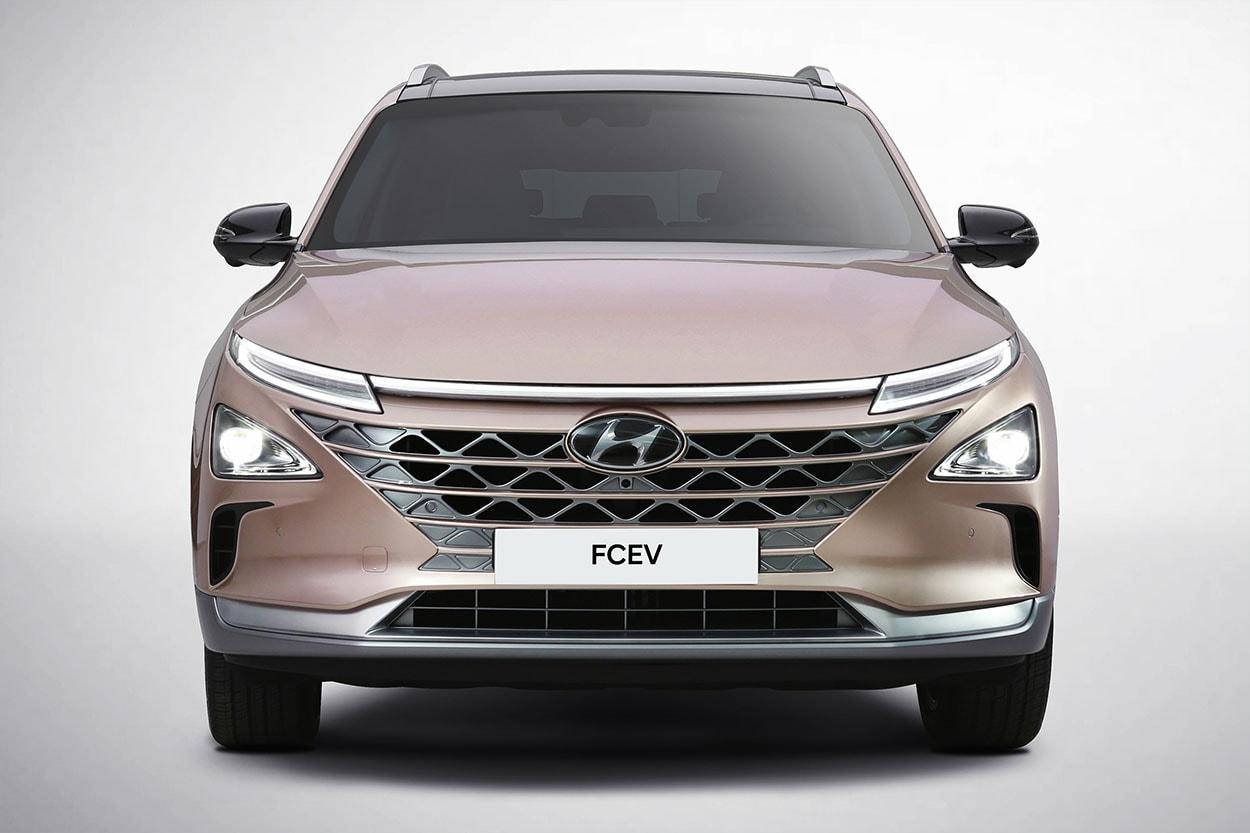 Hyundai FCEV вид спереди