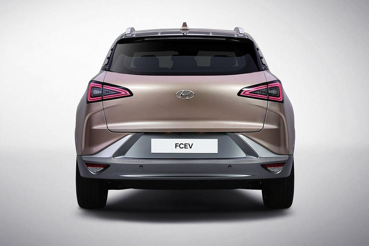 Hyundai FCEV вид сзади