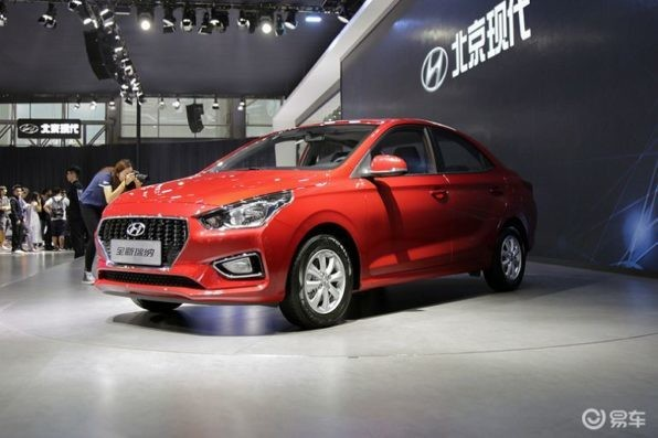 Бюджетный седан Hyundai Reina