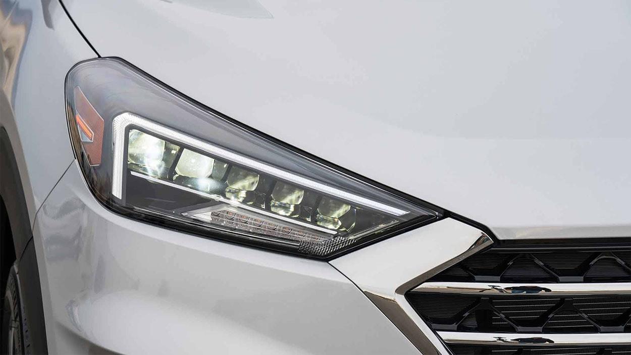 Hyundai Tucson новинка 2018 фото фары