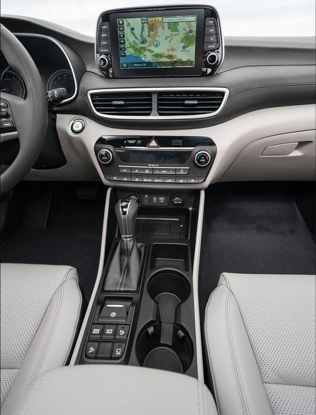 Hyundai Tucson новинка 2018 фото мультимедиа