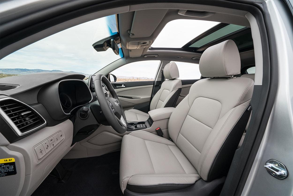 Hyundai Tucson новинка 2018 фото передние сидения