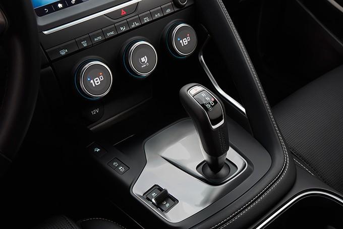Jaguar E-Pace кпп