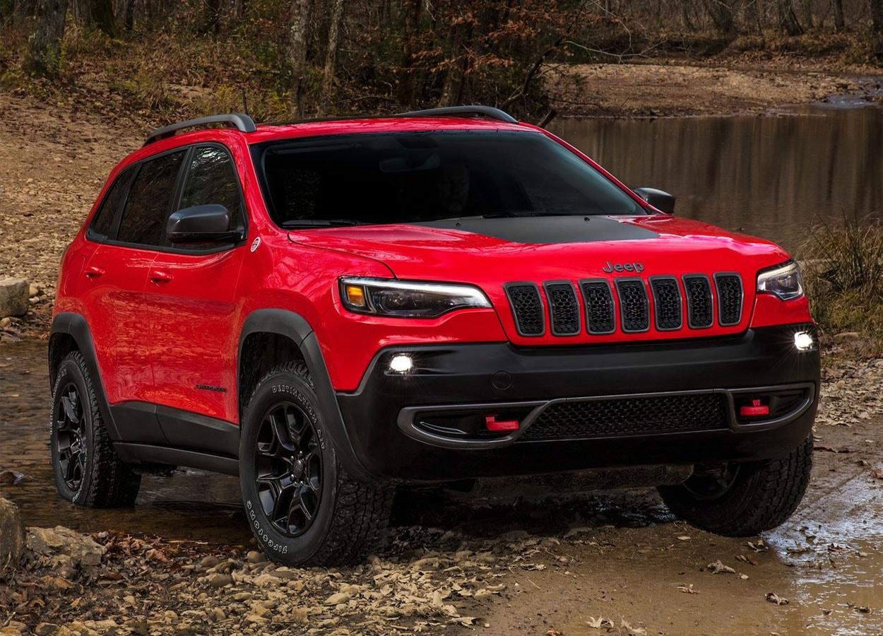 Jeep Cherokee фото вид спереди