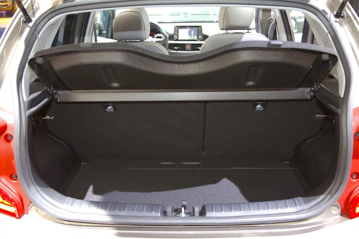 Kia Picanto X-Line фото багажника