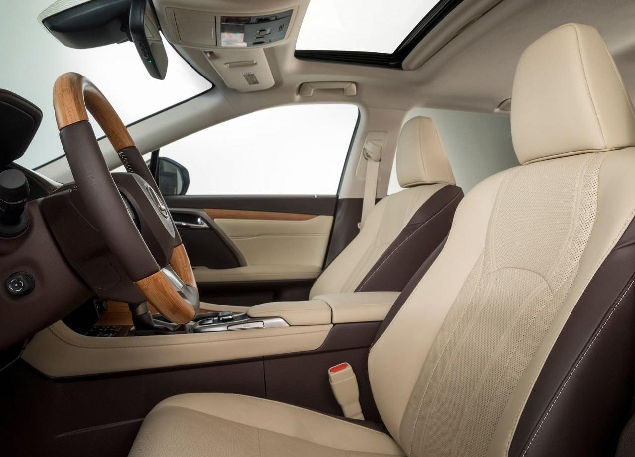 Лексус RX L передние сидения
