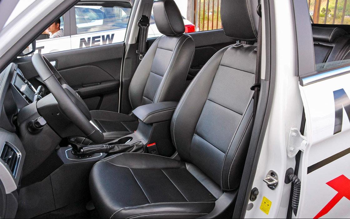 Лифан X70 передние сидения