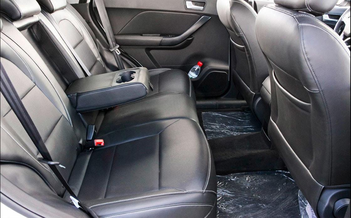 Лифан X70 задние сидения