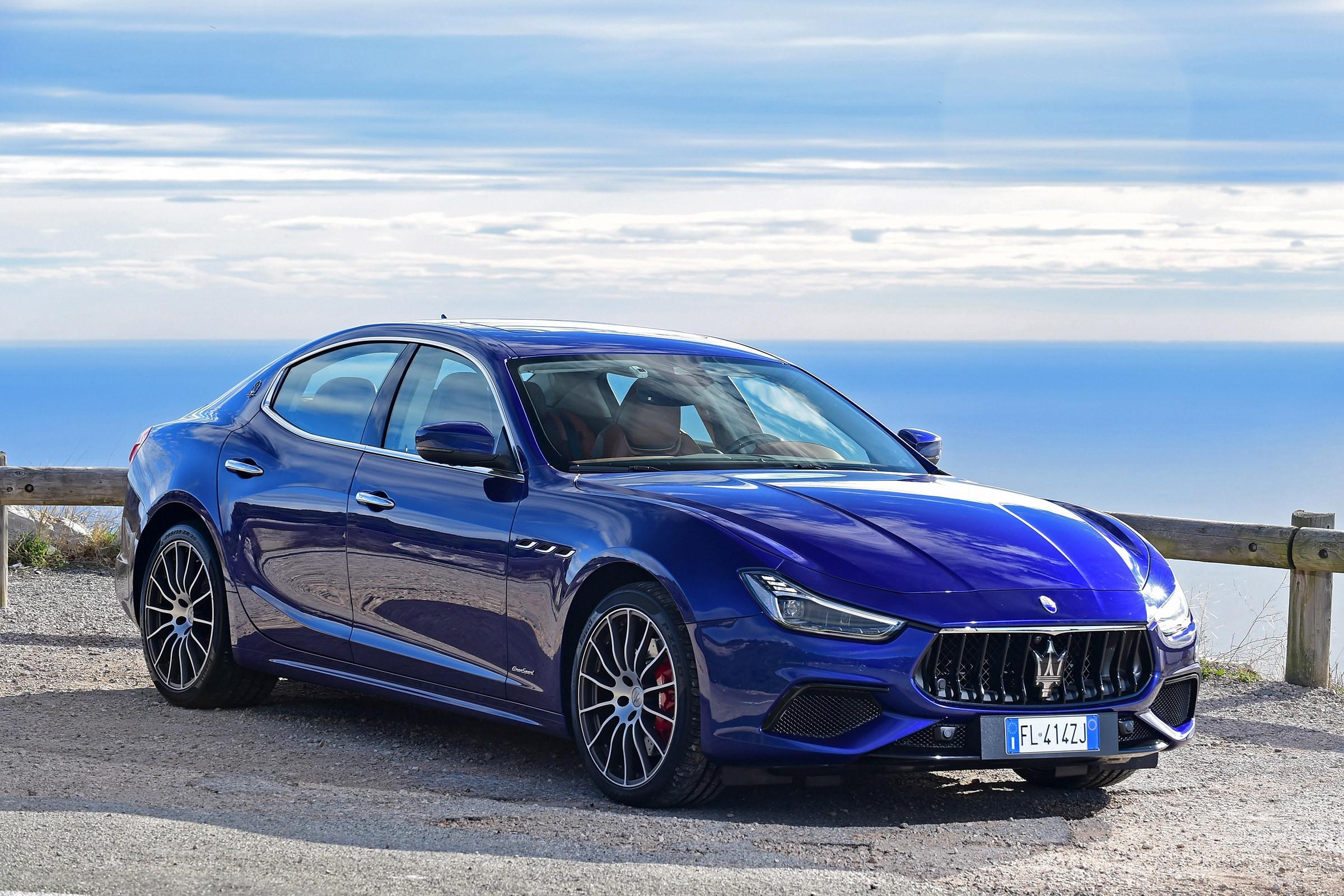 Maserati Ghibli 2017 спереди