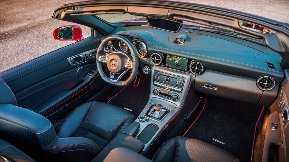 Mazda против Mercedes салон