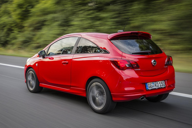 Opel Corsa S вид сзади