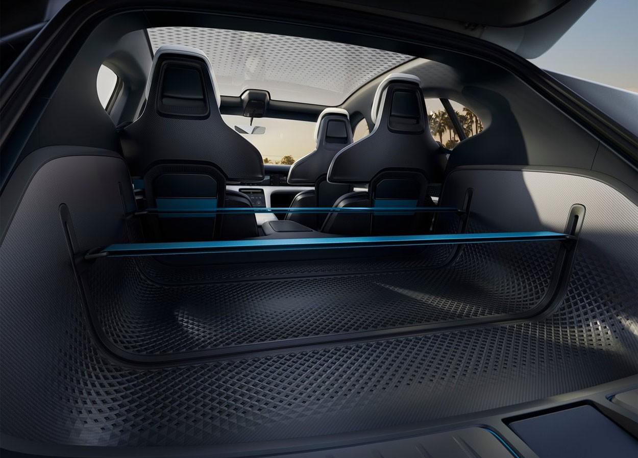 Porsche Mission E Cross Turismo Concept баажник
