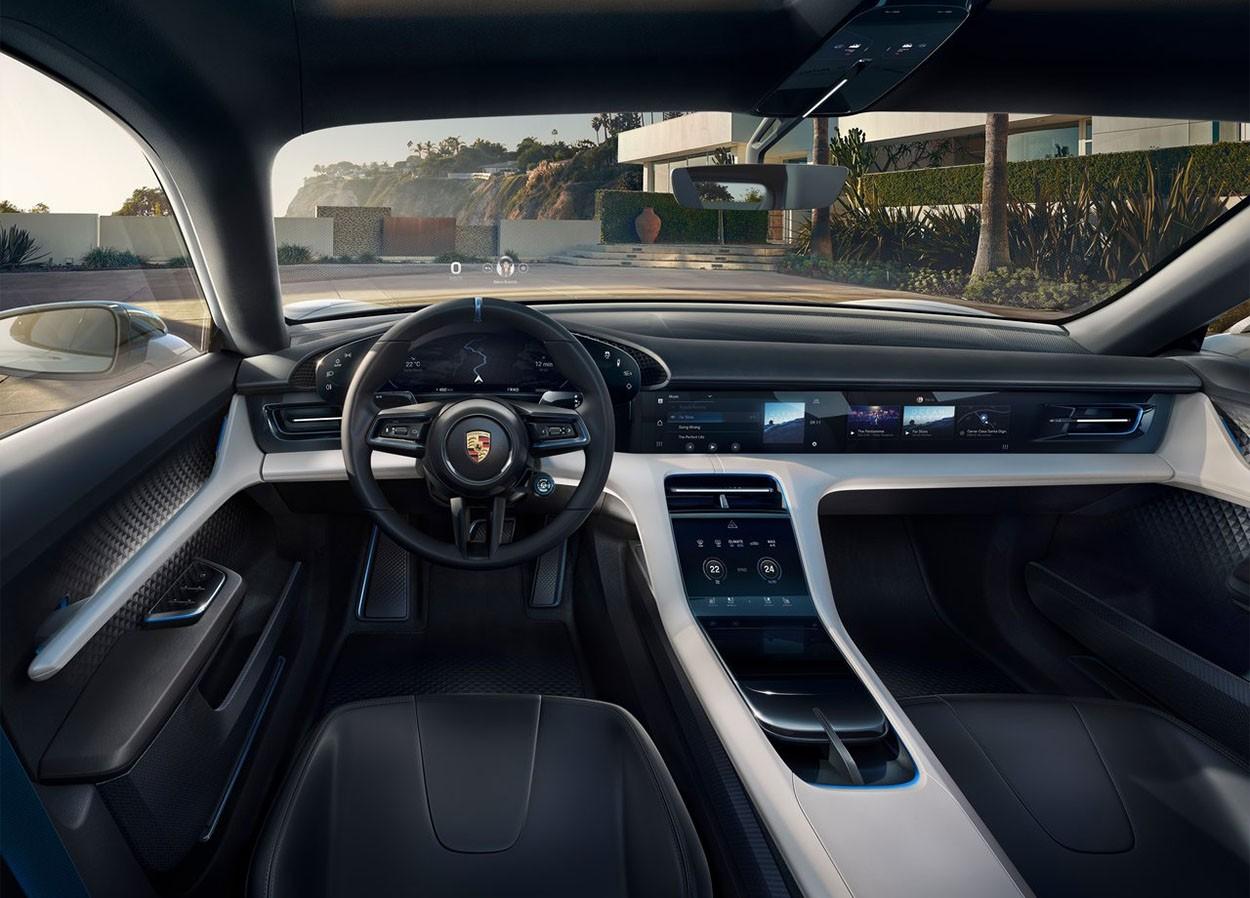 Porsche Mission E Cross Turismo Concept салон