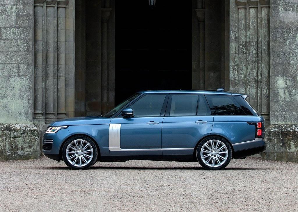 Range Rover 2018 фото вид сбоку