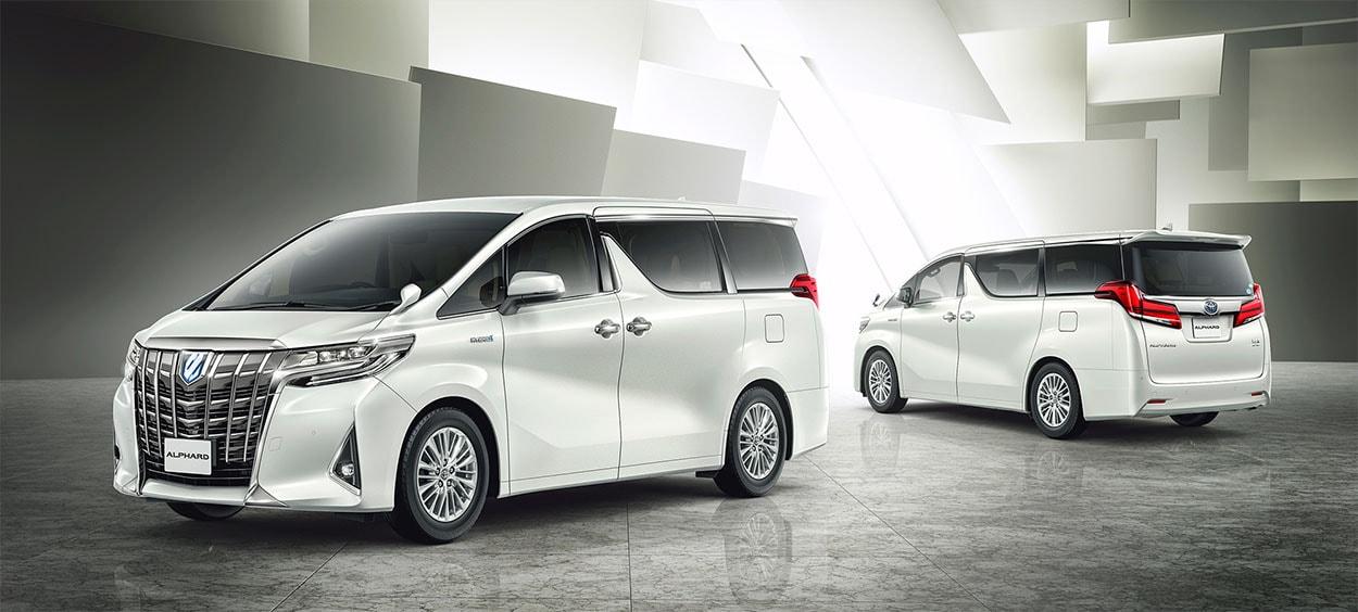 Toyota Alphard общее фото белая