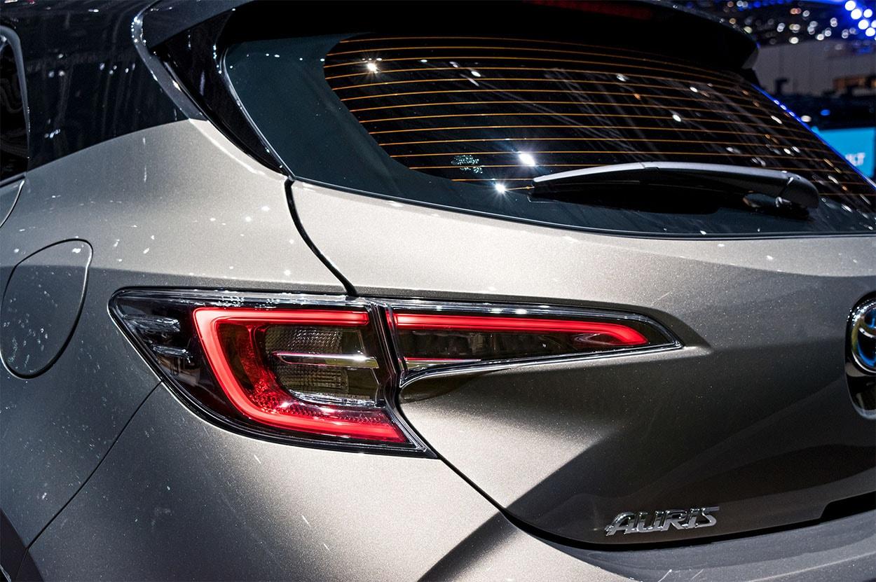 Toyota Auris 3 фонари