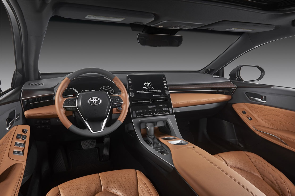 Toyota Avalon фото салон