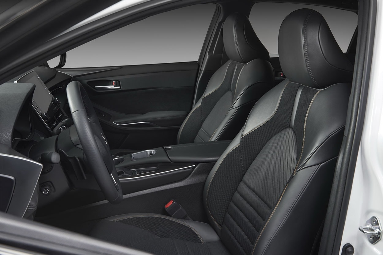 Toyota Avalon передние сидения