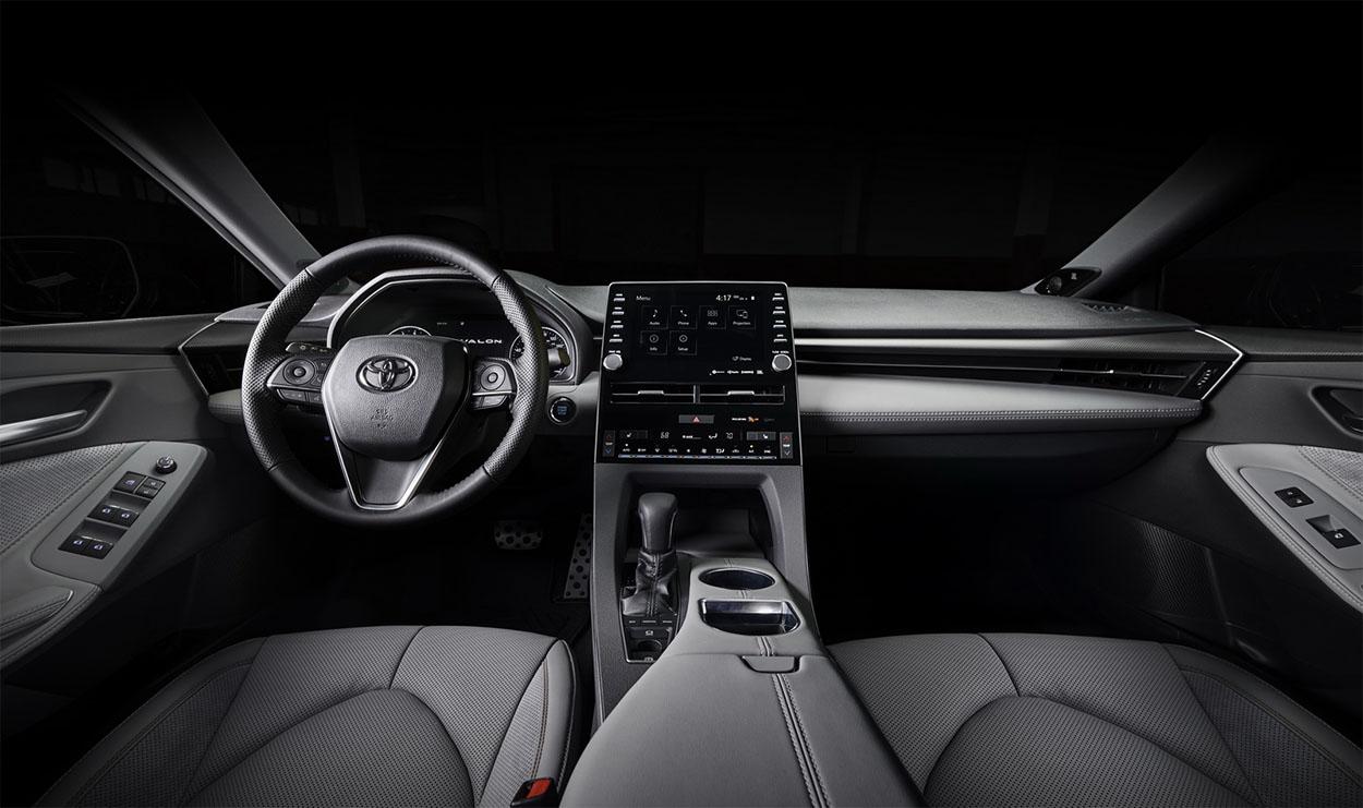 Toyota Avalon вид салон