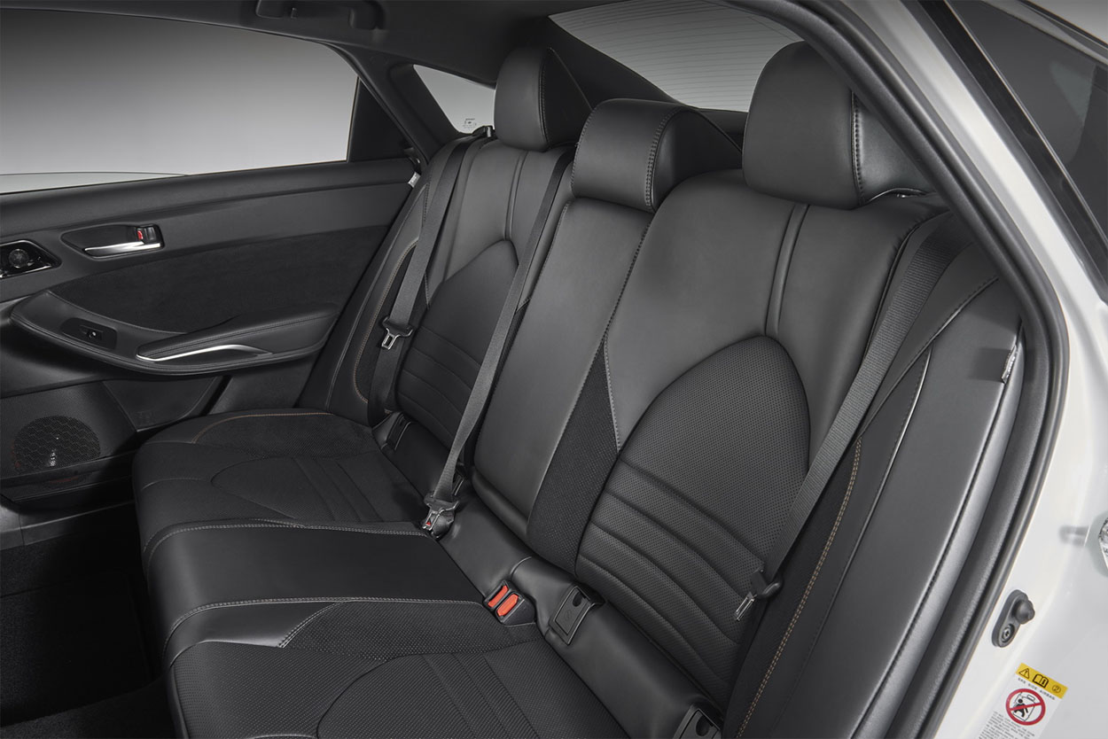 Toyota Avalon задние сидения