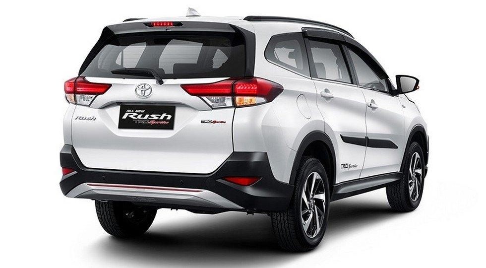 Toyota Rush фото фото вид сзади