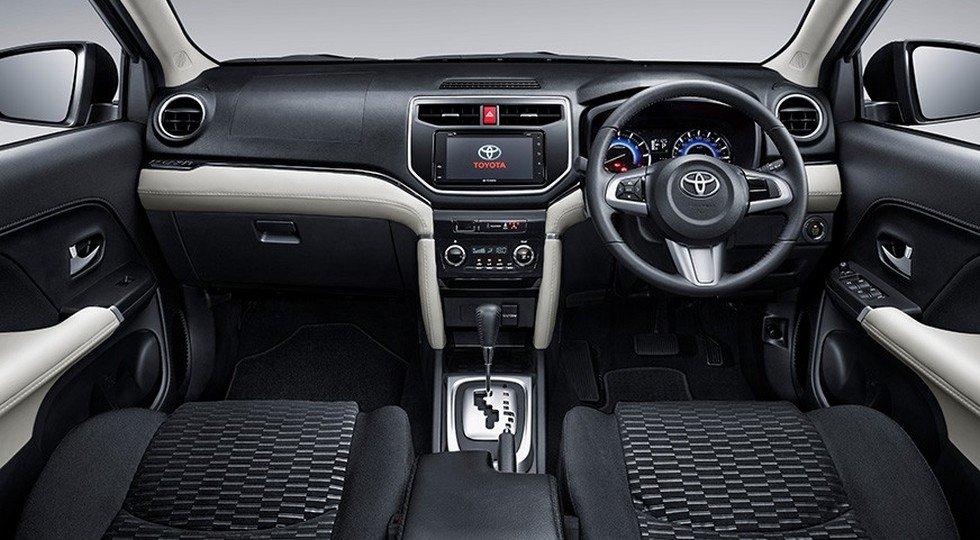 Toyota Rush фото салон внутри