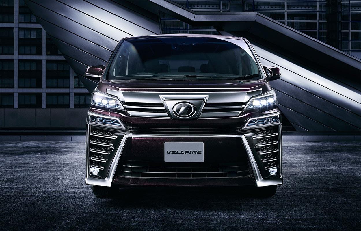 Toyota Vellfire фото спереди