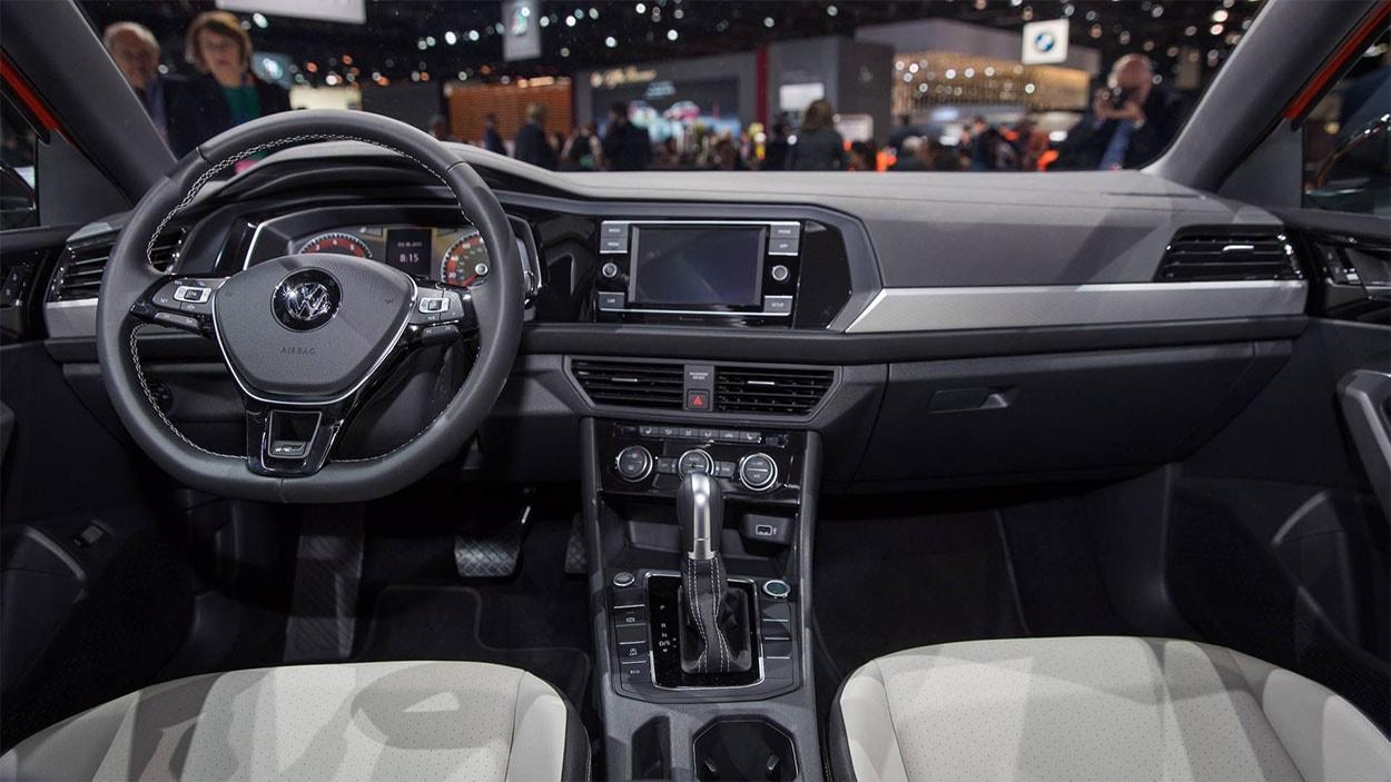 Volkswagen Jetta 7 фото салон