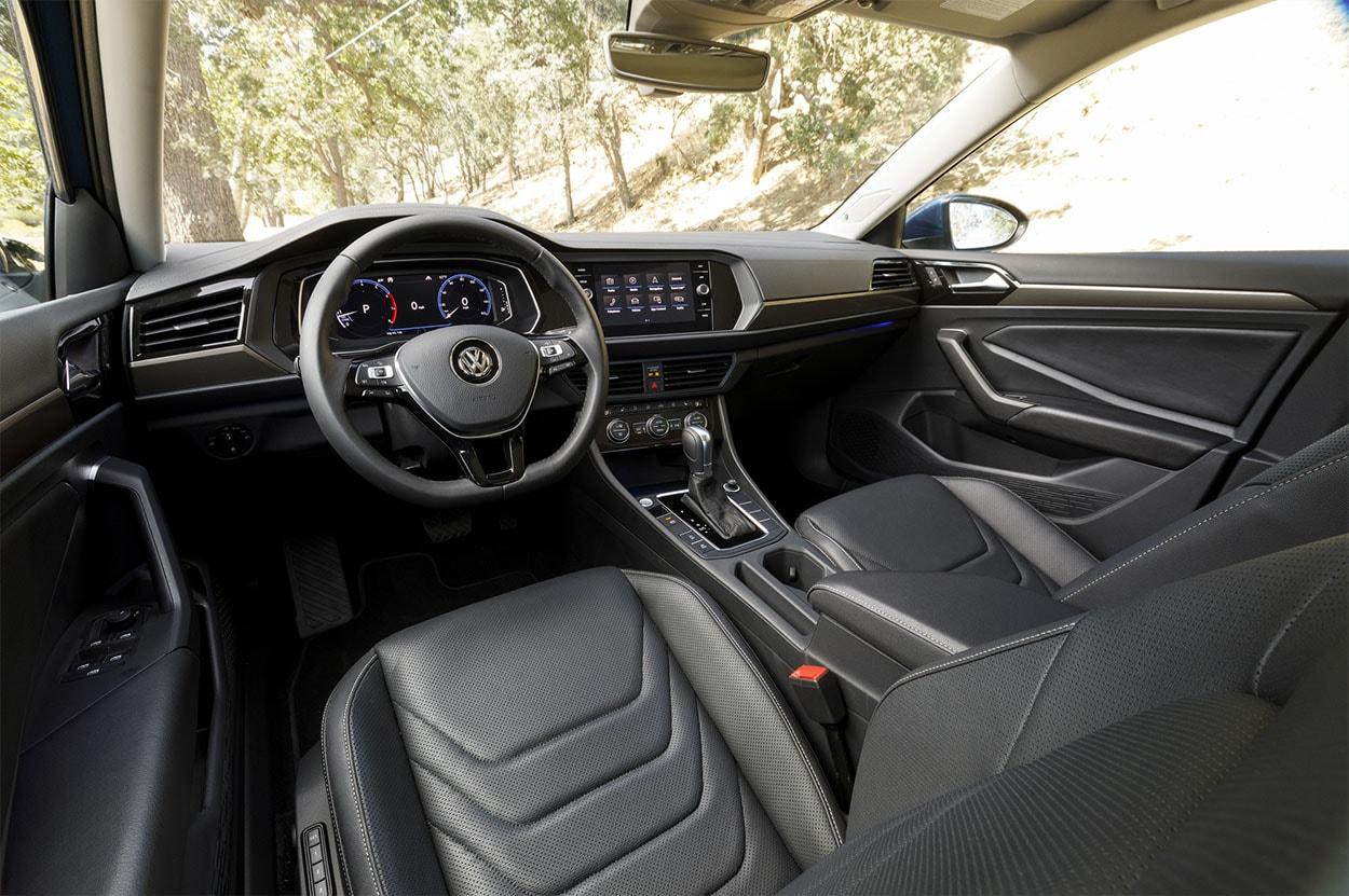 Volkswagen Jetta 7 вид салон